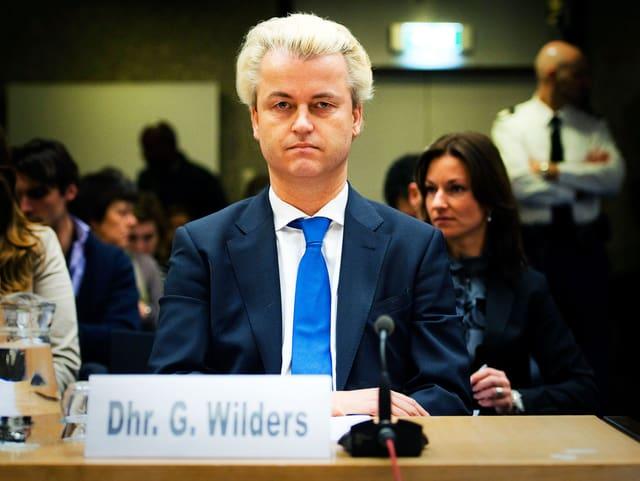 Geert Wilders auf der Anklagebank.