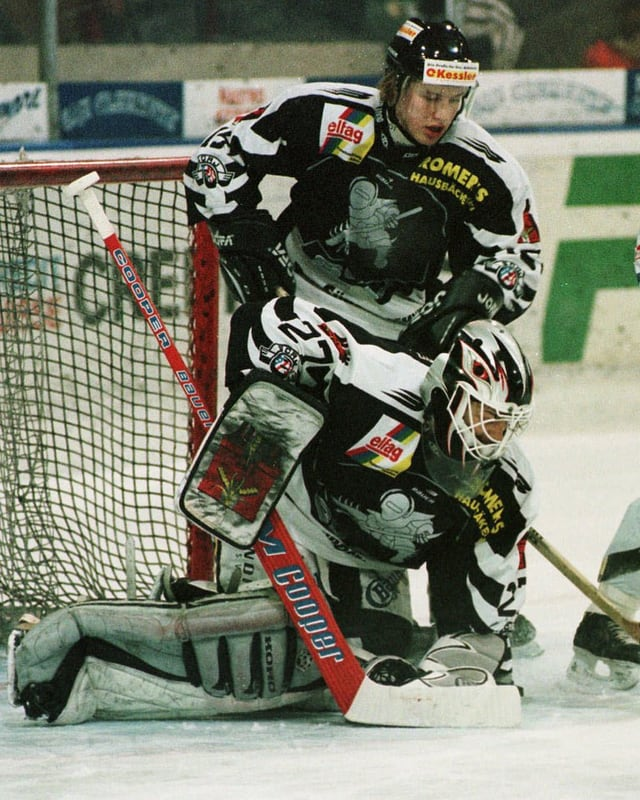 Mathias Seger im dezember 1997 in einem Spiel seines damaligen Klubs SC Rapperswil-Jona.