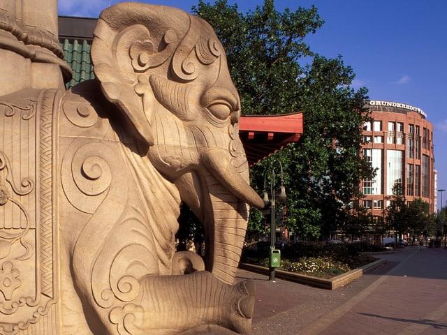Der Zoologische Garten Berlin gilt heute als artenreichster Zoo der Welt und erster Tiergarten Deutschlands.