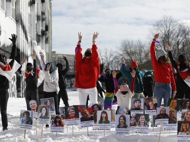 Protestierende Frauen in Belarus.