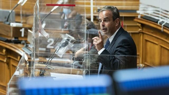 Pfister spricht im Nationalrat