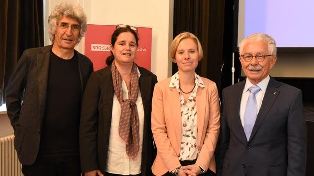 Da san.: Clà Riatsch, undrà cun il Premi SRG.R 2016, Esther Krättli, Ladina Heimgartner, Oscar Knapp.