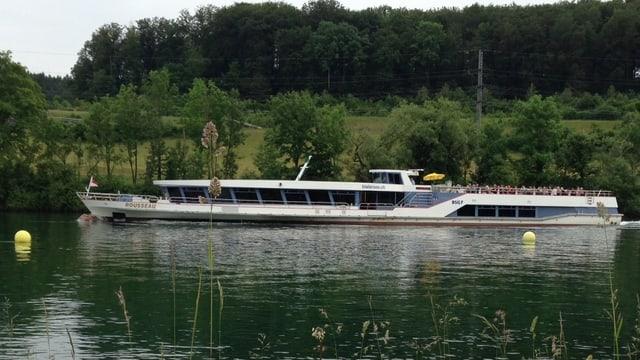 Schiff auf der Aare
