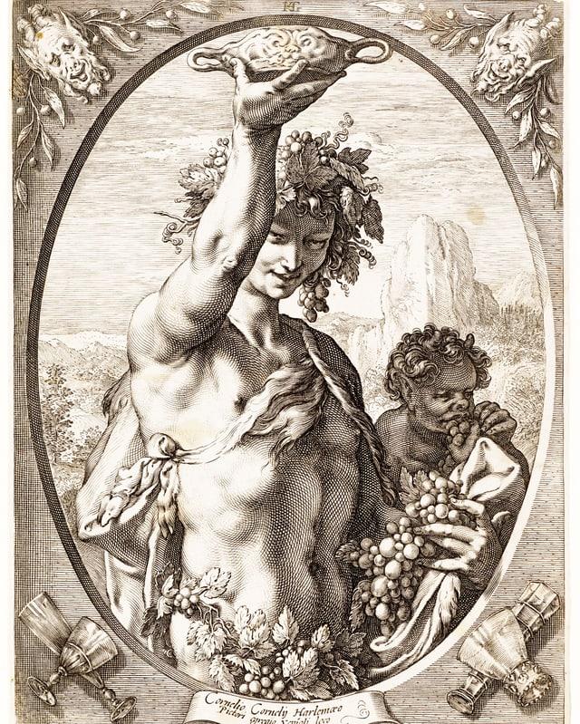 Mann mit nacktem Oberkörper, behangen mit Weinreben hält Schale hoch.