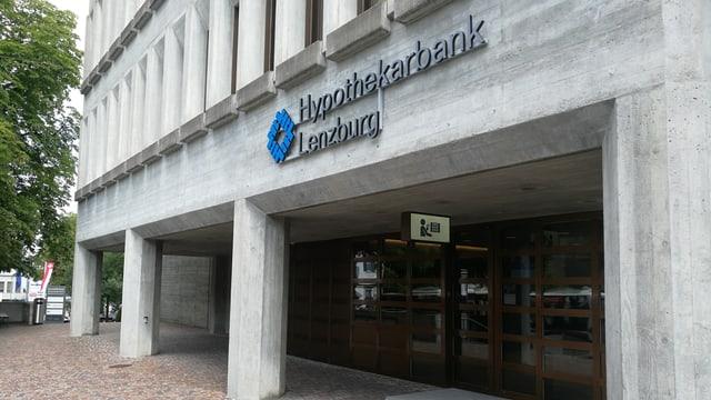 Aussenansicht der Hypothekarbank Lenzburg