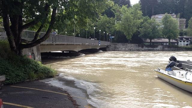 Auch im Norden gab es viel Niederschlag. Am 13. Juli führte die Aare bei Bern Hochwasser.
