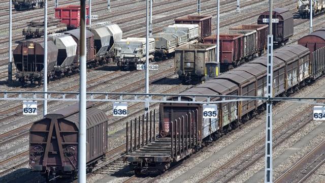 Der Güterbahnhof Limmattal soll zu einem Container-Umladebahnhof ausgebaut werden.