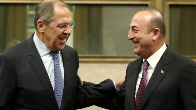 Der russische Aussenminister Sergej Lawrow und sein türkischer Amtskollege Mevlut Cavusoglu.