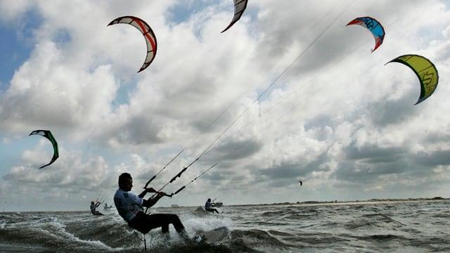 Kitesurfer in Aktion