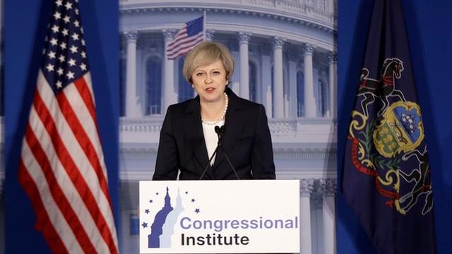 La primministra britannica Theresa May a chaschun da ses pled a Philadelphia.