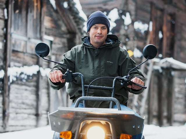 Andreas Zimmermann auf dem Elektromobil.