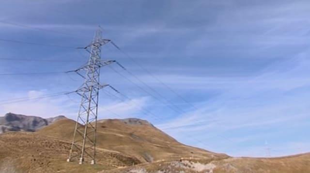 Lingia electrica in muntogna