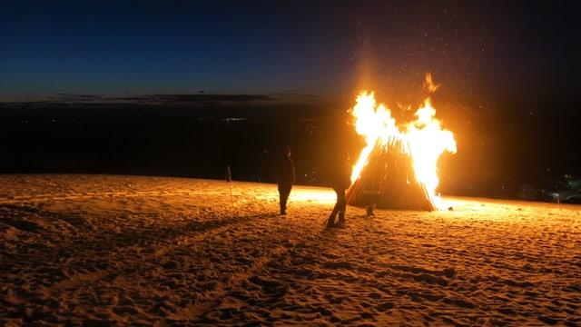 Mannshohes Feuer