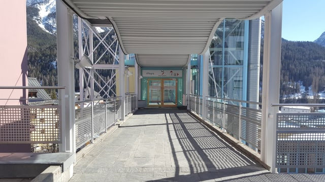L'entrada dal Bogn Engiadina Scuol