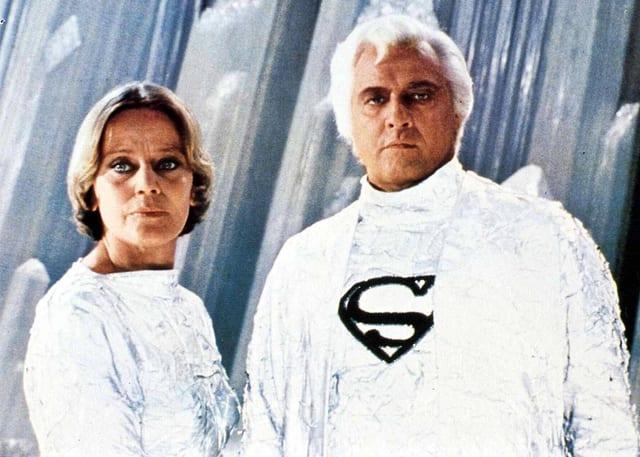 Auf dem Bild sind Marlon Brando als Jor-El und die Schweizerin Maria Schell als Vond-Ah zu sehen.