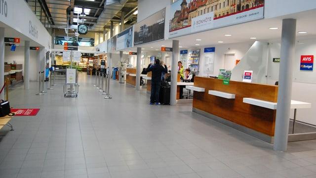 Leere Flughafen-Halle in Bern-Belp.
