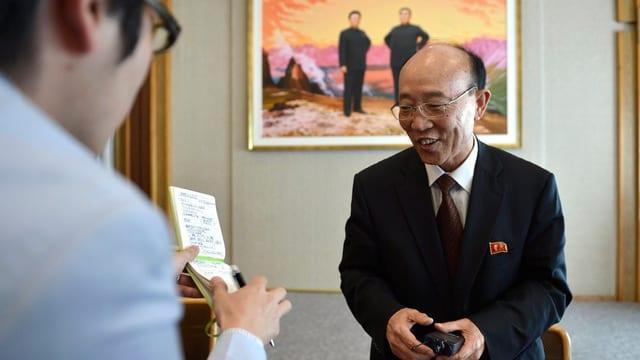 Nordkoreas Botschafter So Se Pyong an der Medienkonferenz in Genf.