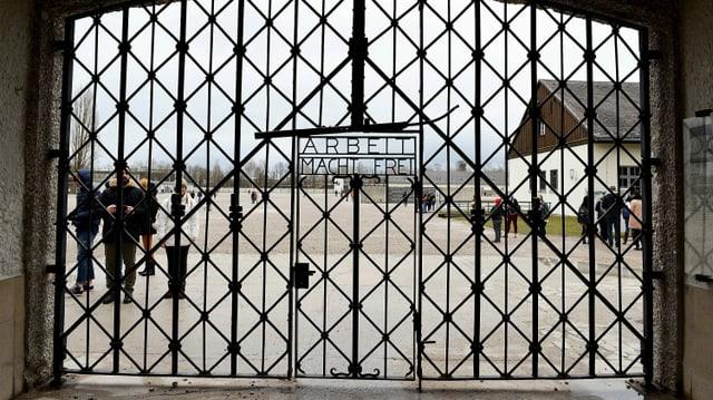 Eingangstor zum KZ Dachau.