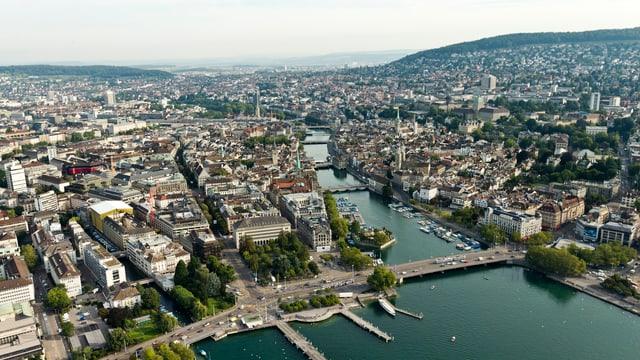 Luftaufnahme von der Stadt Zürich.