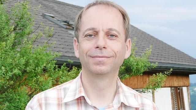 Porträt von Mathias Knobel.
