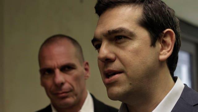 Il primminister grec Alexis Tsipras (dretg) ed il minister da finanzas Yanis Varoufakis.