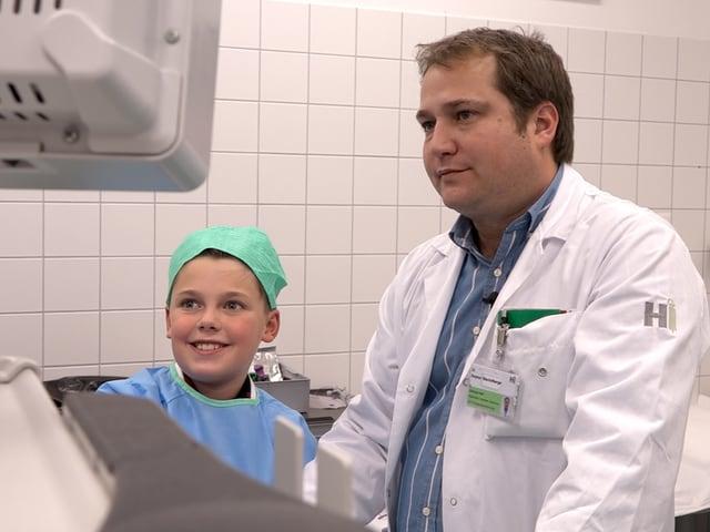 Kind und Chirurg