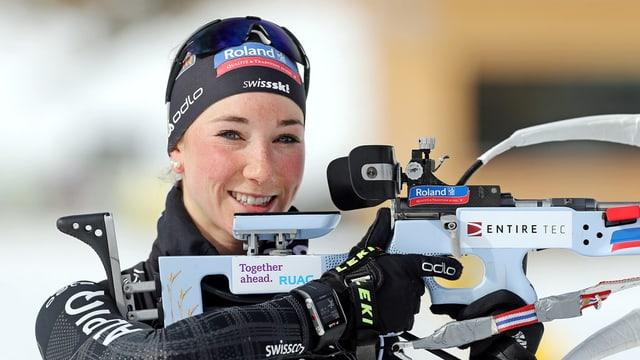 Aita Gasparin, la sora giuvna da Selina, è dapi la stagiun 2012/2013 commembra dal cader A da Swiss Ski.