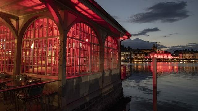 L'hotel Schweizerhof a Lucerna.