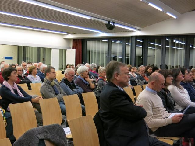 Zuhörer in einem Saal