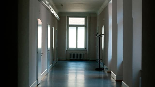 Waldhaus sagen die Churer. Offiziell heisst es auf dem Wegweiser: Psychiatrische Dienste des Kantons Graubünden PDGR.