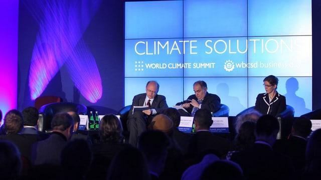 Teilnehmer der Klimakonferenz in Peru debattieren.
