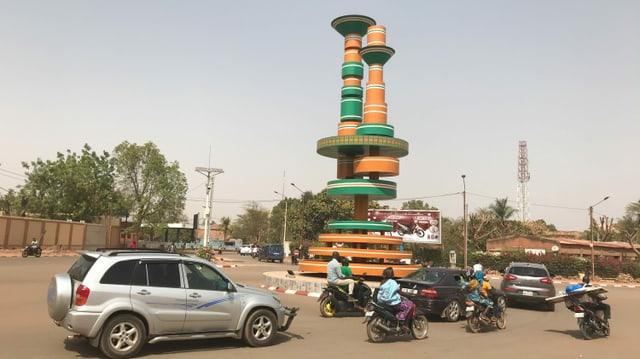 In der Hauptstadt Ouagadougou (Place des Cinéastes) spürt man von der angespannten Sicherheitslage in der Sahelzone kaum etwas.