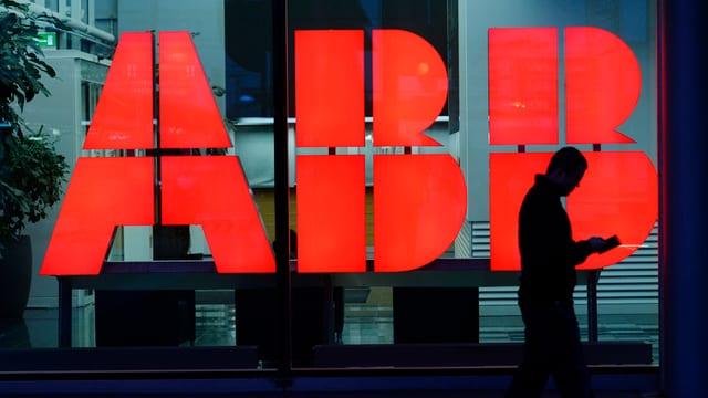Il concern industrial ABB ha era nudà il davos mez onn 7 pertschient damain empustaziuns.