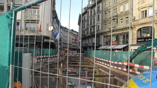Aufgerissene Strasse beim Grendel in der Luzerner Altstadt.