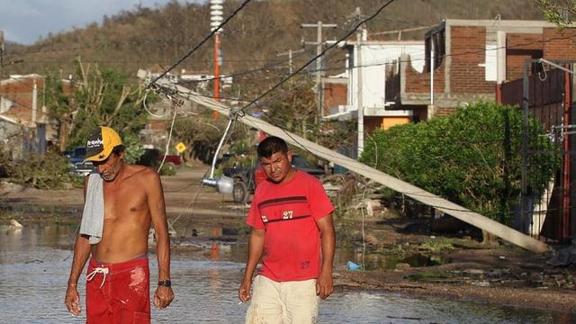 2 umens en il Mexico suenter il stemprà.