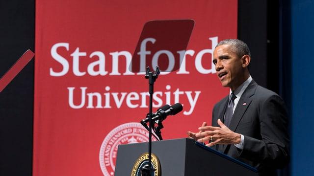 US-Präsident Barack Obama spricht an der Stanford University.