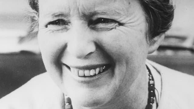 Video «Pionierin aus Berufung - die Frauenrechtlerin Gertrud Heinzelmann» abspielen