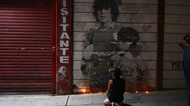 Drei Tage Staatstrauer für den Fussballgott
