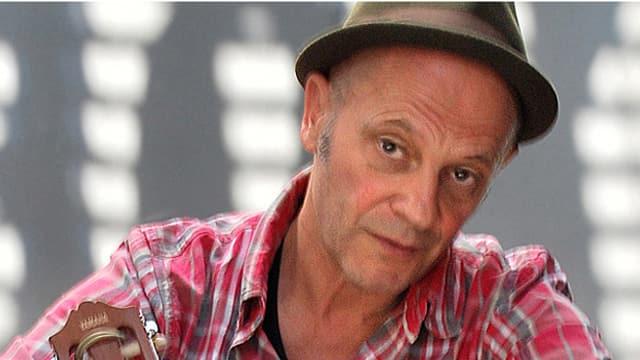 Schon mehr als 30 Jahre zieht Max Werner Widmer alias Blues Max sein Ding durch.