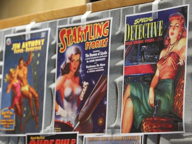 Kopien unterschiedlicher Covers von «Pulp Science Fiction»-Magazinen