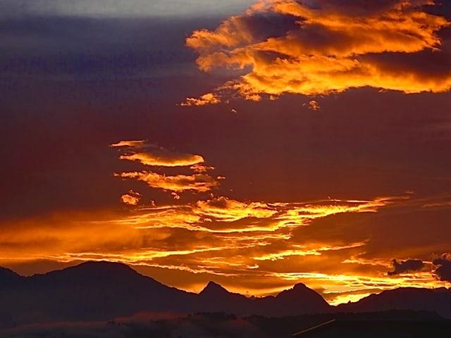 Rot-oranger Himmel.