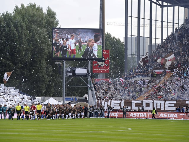 Fans von HSV und St. Pauli