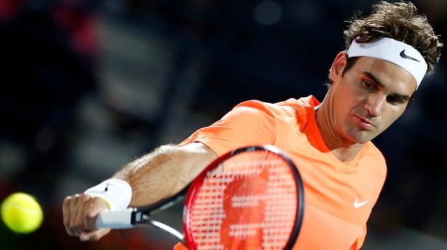 Roger Federer in Aktion.