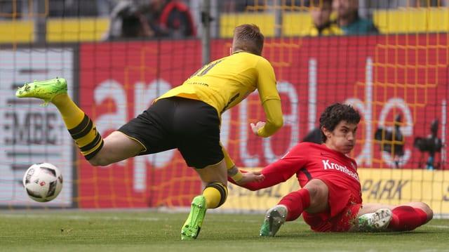 Marco Reus trifft akrobatisch zum 1:0.