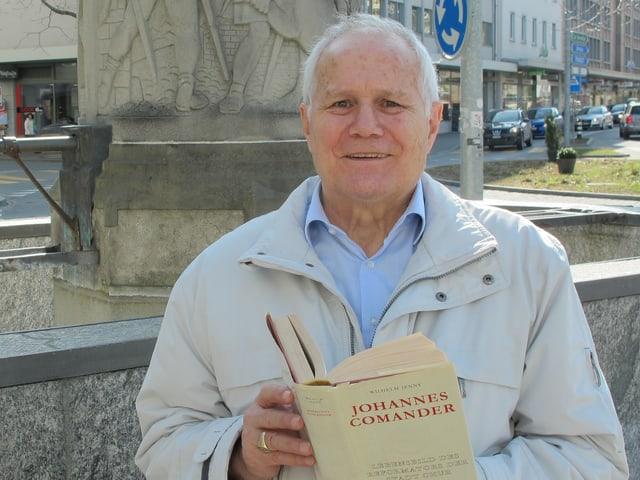 Fritz Peer mit Comander-Biografie