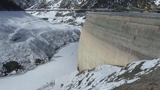 Aufnahme vom Staudamm.