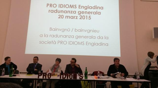 La radunanza generala da la Pro Idioms Engiadina.