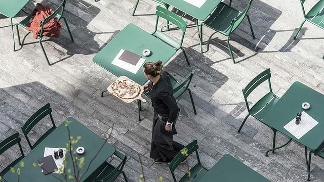 Serviceangestellte in Restaurant