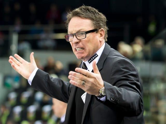 Genf-Trainer Chris McSorley verwirft die Hände.