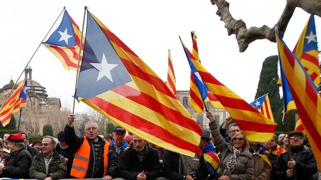 Demonstration der Autonomiebefürworter von dem Parlament in Barcelona.